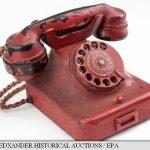 Un telefon care i-a aparținut lui Hitler, vândut în SUA cu 243.000 de dolari