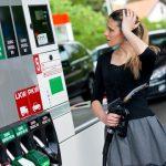 Consiliul Concurenței analizează motivul pentru care prețul carburanților în România depășește media Uniunii Europene