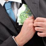 Corupţia afectează mediul de afaceri în România. OUG 13 a generat riscuri asupra eforturilor anticorupţie