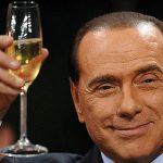 Berlusconi a scos la licitație un prânz cu el și va dona banii pentru repararea pagubelor produse de cutremure