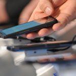 Nemții cumpără mai puține smartphone-uri