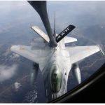 Avioanele F-16 ale Forţelor Aeriene Române, prima realimentare în zbor deasupra teritoriului ţării