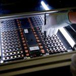 UE vrea să forțeze construcția de fabrici de acumulatori