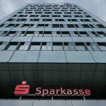 Casele de economii germane amenință cu taxe mai mari