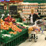 Supermarketurile nu vor mai asigura spaţii speciale pentru produsele româneşti