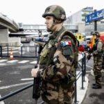 """Atacatorul de pe aeroportul Orly din Paris era pregătit """"să moară în numele lui Allah"""" (procuror)"""