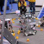 Competiţie între Neluţu şi Ramses al III-lea, la concursul de robotică pentru liceeni, de la Sala Polivalentă
