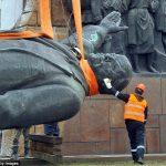 Ucraina: O statuie a lui Lenin a fost vândută la licitație cu peste 9.000 de dolari