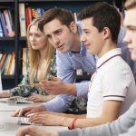 Guvernul decontează salariul minim pe economie pentru ucenici și stagiari