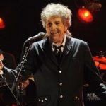 Premiat cu Nobel pentru opera sa poetică, Bob Dylan lansează vineri un album de reluări