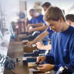 Cazare si masa gratuita pentru elevii din învăţământul profesional şi tehnic