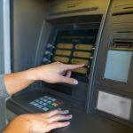 Bancomatele pot fi jefuite în câteva secunde fără a lăsa urme, spun experți în securitate cibernetică