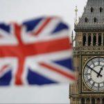 Românii și bulgarii lucrează mai mult și pe bani mai puțini decât britanicii