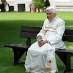 Papa Emerit Benedict al XVI-lea aniversează împlinirea a 90 de ani în maniera discretă consacrată