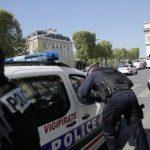 Atac armat pe Champs-Elysées: Un mesaj pro-Daesh scris de mână, descoperit lângă atacator (sursă din cadrul anchetei)