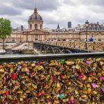 """""""Lacatele iubirii"""" din Paris vor fi scoase la licitatie pe 13 mai"""