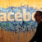 Facebook angajează 3000 de noi controlori