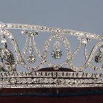 Hoții fură o coroană de milioane de euro