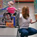 Crește predispoziția americanilor spre consum