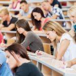Studentii vor primi 201 de lei bursa si in perioada vacantei de vara