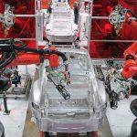 Angajații Tesla se plâng de joburi grele