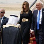 Melania Trump cu capul descoperit în Arabia Saudită