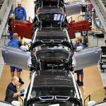 Fabricile BMW așteaptă piese de la Bosch