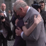 Printul Charles a ajuns, sambata, la Teius, unde sunt ingropati stra-stra-strabunicii Reginei Elisabeta a II-a a Marii Britanii