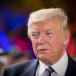 """Trump cere restricţii de călătorie mai dure în Statele Unite. """"Vom examina cu atenţie oamenii care vin în SUA, pentru a ne menţine ţara în siguranţă. Tribunalele sunt lente şi politice"""""""