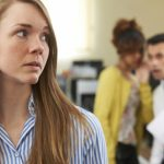 Un sfert dintre angajaţii români demisionează ca reacţie la practicile non-etice din companiile lor