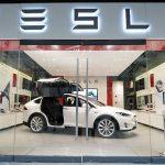 Tesla vrea să facă muzică