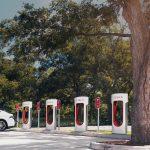 Aproape 1000 de locații de încărcare Tesla