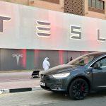Tesla se lansează în Dubai cu un nou showroom și centru de service