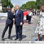 Președintelui francez 'îi place să mă țină de mână' spune Trump