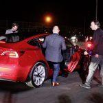 Model 3 renunță la cheia clasică în favoarea accesului prin smartphone