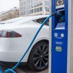 De ce este atât de dificilă alimentarea automobilului cu energie electrică