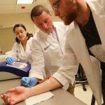 Există deja nanocipul care poate ajuta la vindecarea rănilor şi regenerarea organelor cu o simplă atingere