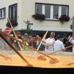 În pofida scandalului ouălor contaminate, tradiționala omletă uriașă de la Malmedy a fost servită