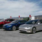Automobilele Tesla folosite se vând de trei ori mai rapid