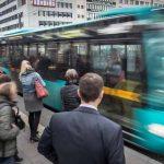 Crește numărul de pasageri în autobuze și trenuri