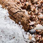 Sarea de mare din intreaga lume este contaminata cu microparticule de plastic