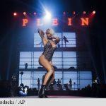 New York Fashion Week: Striptease și 'teasing' via Twitter pe podiumul modei