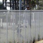 Autoritățile americane au început construirea a opt prototipuri ale zidului de la frontiera cu Mexic