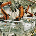 Începe robotizarea în companii, auto, plasticele, industriile cele mai implicate