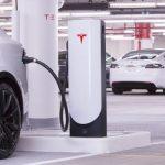 Încărcare pe bani pentru Model 3 la stațiile Supercharger