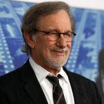 Apple îl angajează pe Steven Spielberg