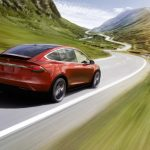 Norvegia propune o taxă pentru automobile electrice care ar putea afecta Tesla