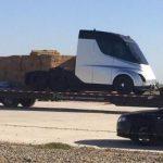 Camionul electric de la Tesla zărit înaintea lansării oficiale