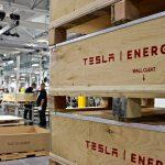 Directorul Tesla pentru producția de baterii ar fi părăsit compania