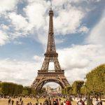 Primăria Parisului vrea să pună capăt cozilor de la Tour Eiffel